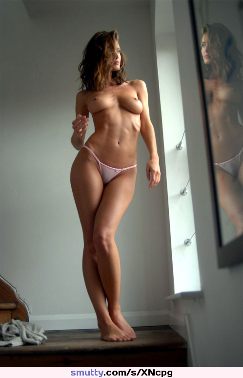 princess blueyez porn photos pregnant busty dominno showing her extra curves