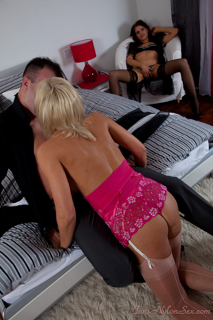 xxx oldandyoung sex movies free oldandyoung adult video clips