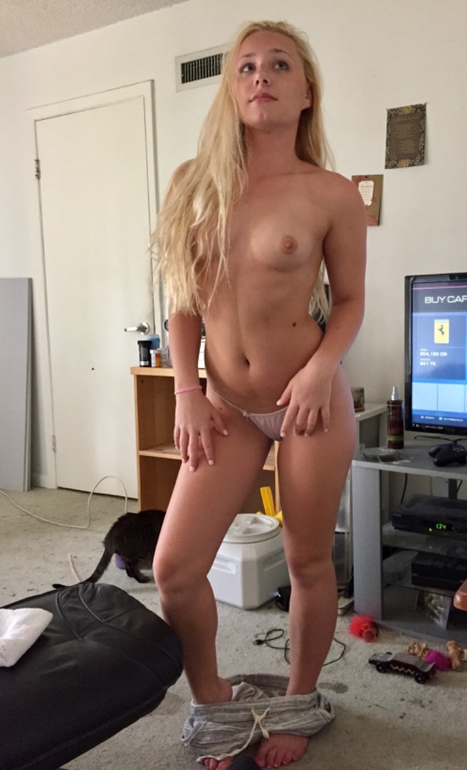 my busty girl shaving pussy in the tube