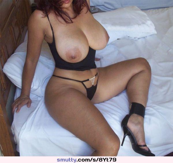 big tits hidden cam in tanning bed