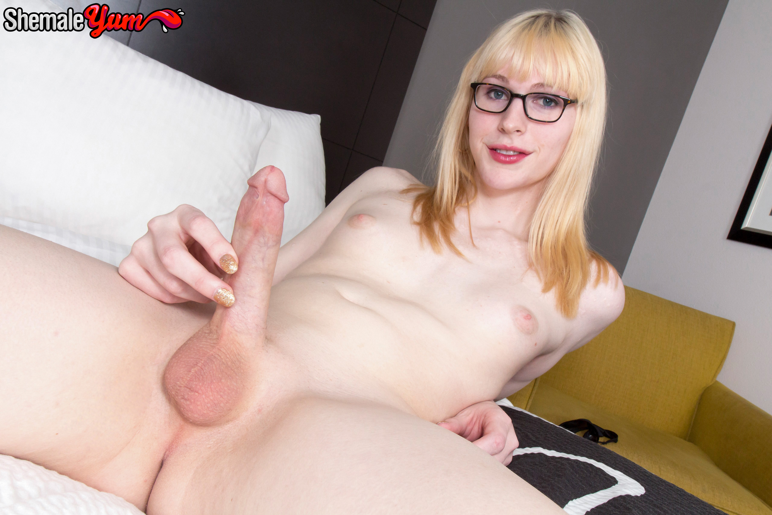 retro porn hot hairy pussy brunette fucks in a campe tmb Aphrodyte, Asslicker, Blonde, Glasses, Happyface, Shemale