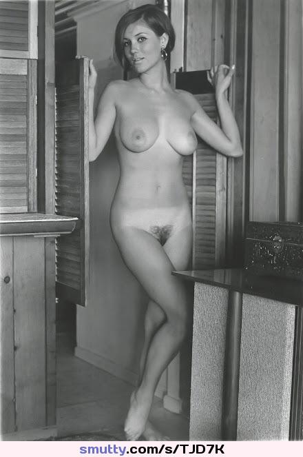 hot sexkitteh flashing boobs on live webcam porn