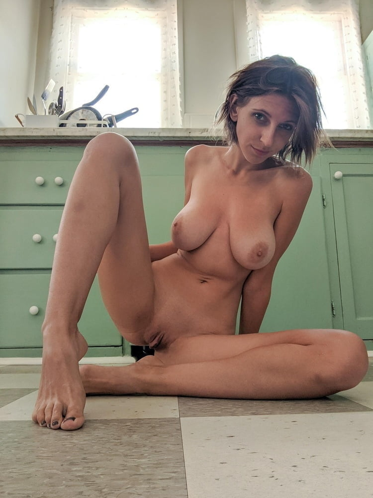 that camel toe massive squirting from massive pussy lips