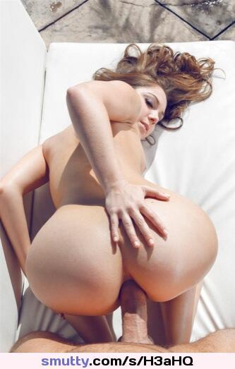 hot girl masturbating in a mercedes car