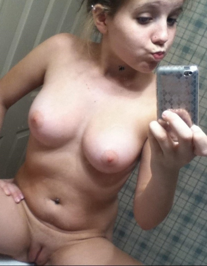 this porn producer carli banks gloria dildos cutting porn pics
