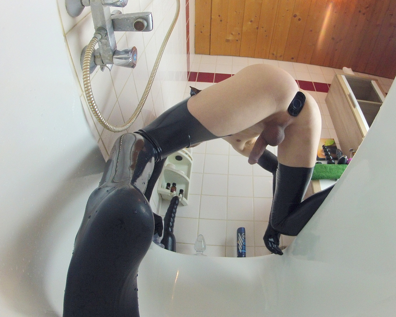 australian blonde girl has pussy filled with cream pie cum