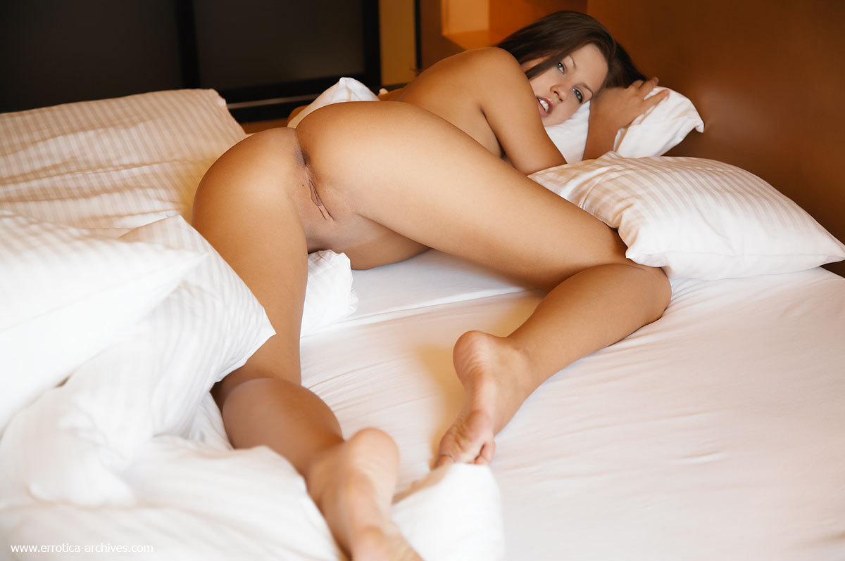 showing porn images for schoolgirl brown porn