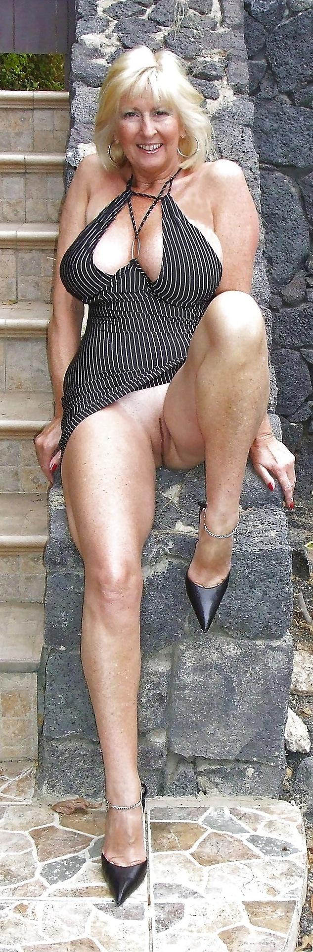 short haired babe in a hotel room streaming porn #blowjobqueen #british #cougar #janburton #magnafellatrix #milf #milfblondeblowjob