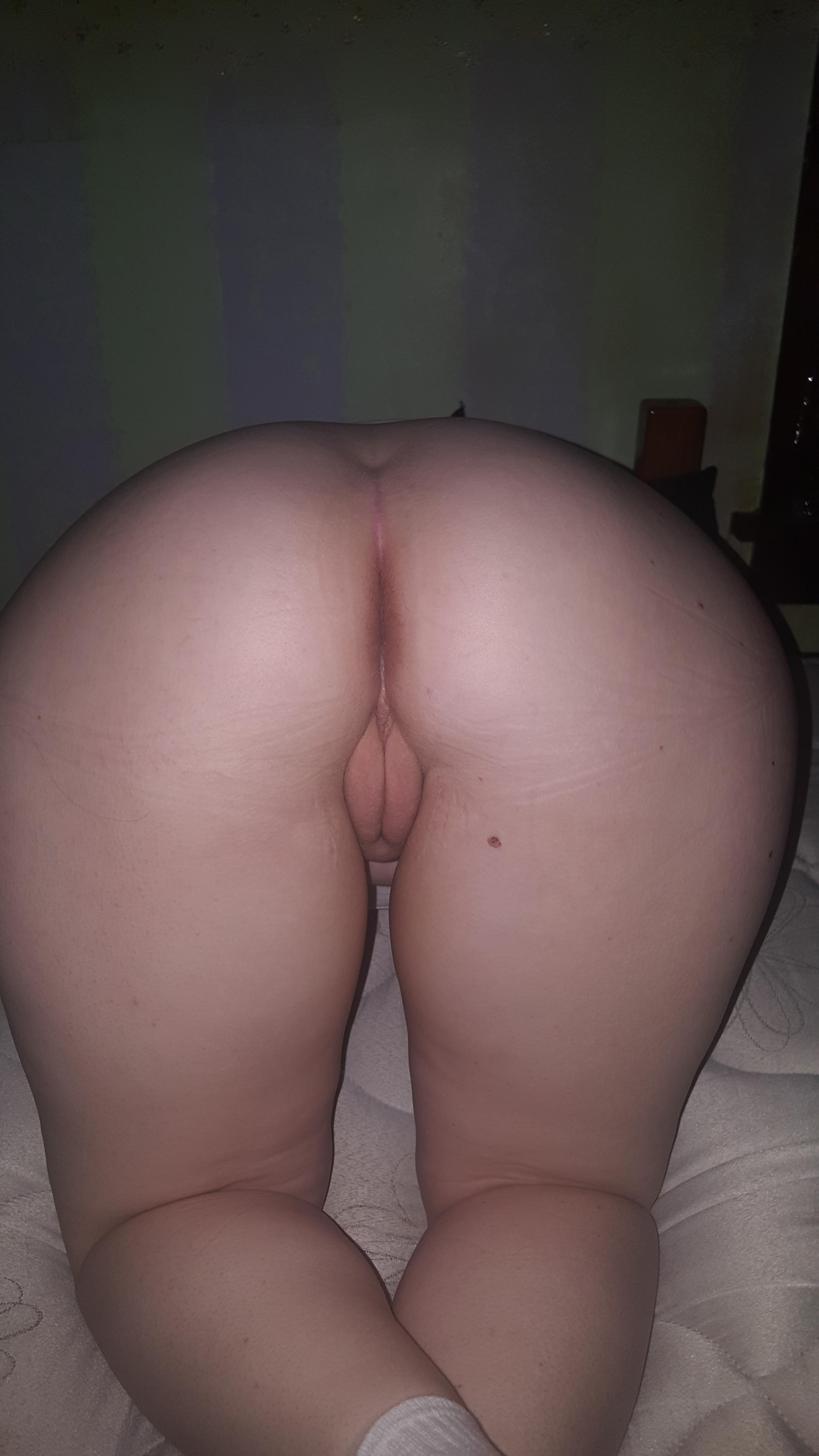shemale cums in her own ass