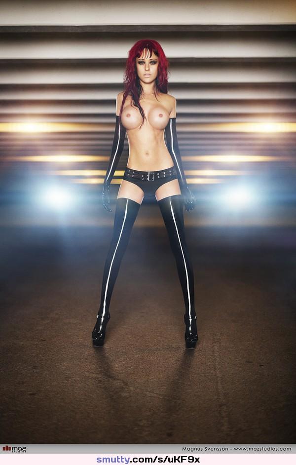 deep fucking sexwall your daily dose of porn gif #JaninaNaslund #hardbody #mindthegap #redhead