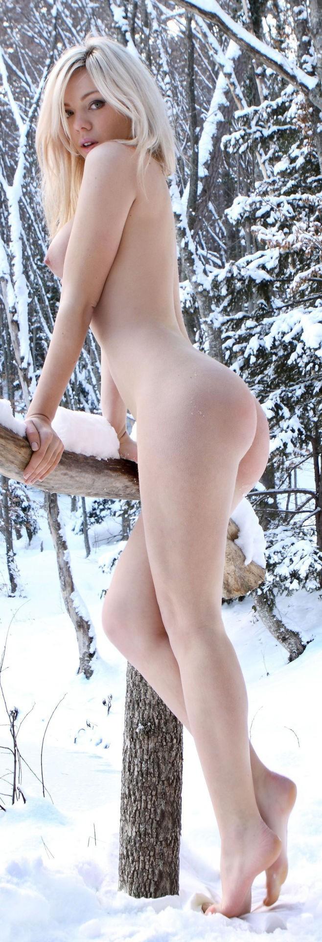 private presents apolonia lapiedra loses her anal virginity with private #analmasturbation #dildo #harleyquinn #lesbians #precummaker #twodildos #yummyfav