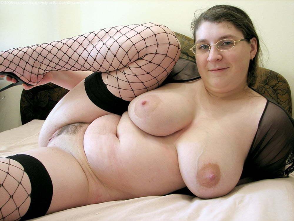 amateur brunette with glasses masturbating on webcam