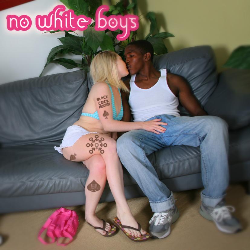 brunette milf pornstar roxy jezel plays with her huge