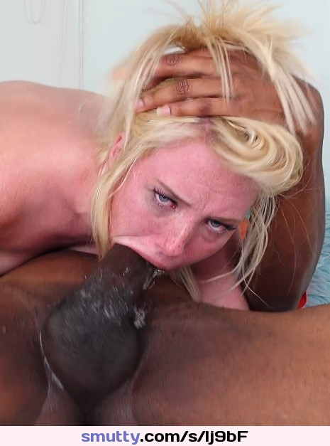 must see amateur girl with amazing ass gets fucked