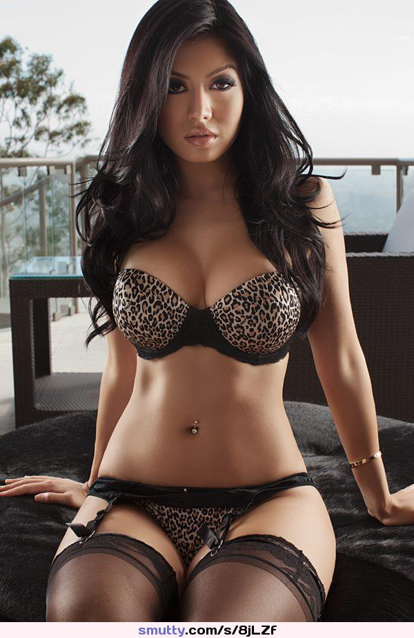 ich liebe sperma gefesselt in latex #armbra #asian #aworldspillsout #ebonyangel #handbra #hotel #lace #marryme #model #panties #stockings #thesuplieraproves #wannanailher
