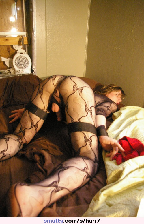 esposa na suruba com seu corno manso #ZoeFuckPuppet #crossdresser #lickingdildo #natasfav #tranny #trannycock #transvestite #trap