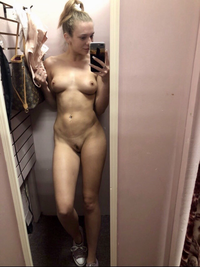 small town girl squirts first time on cam #selfshot#selfie#amateur#fit#6pack#abs#faketits#shaved#pussy#spread