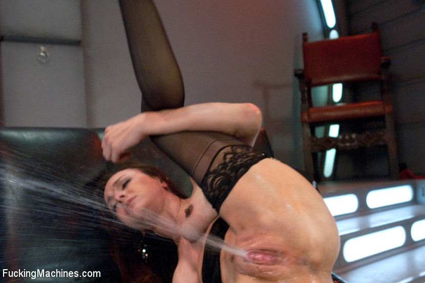 amateur hairy pussy on the sybian porn tube