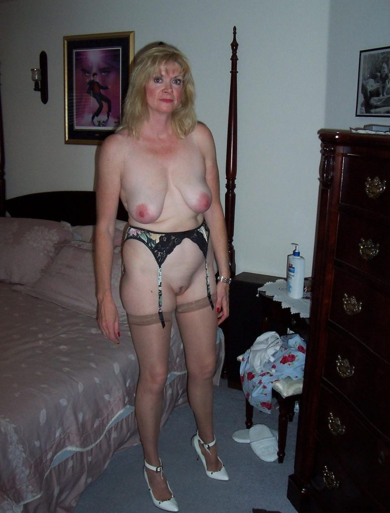 free pictures of skinny sluts naked